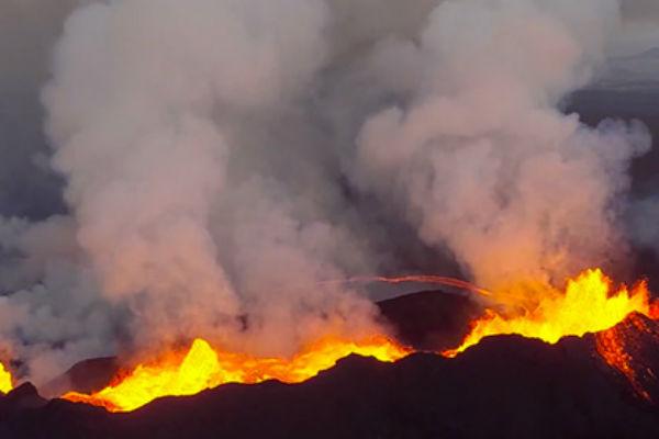 В Сети появилось зрелищное видео извержения вулкана Бардарбунга