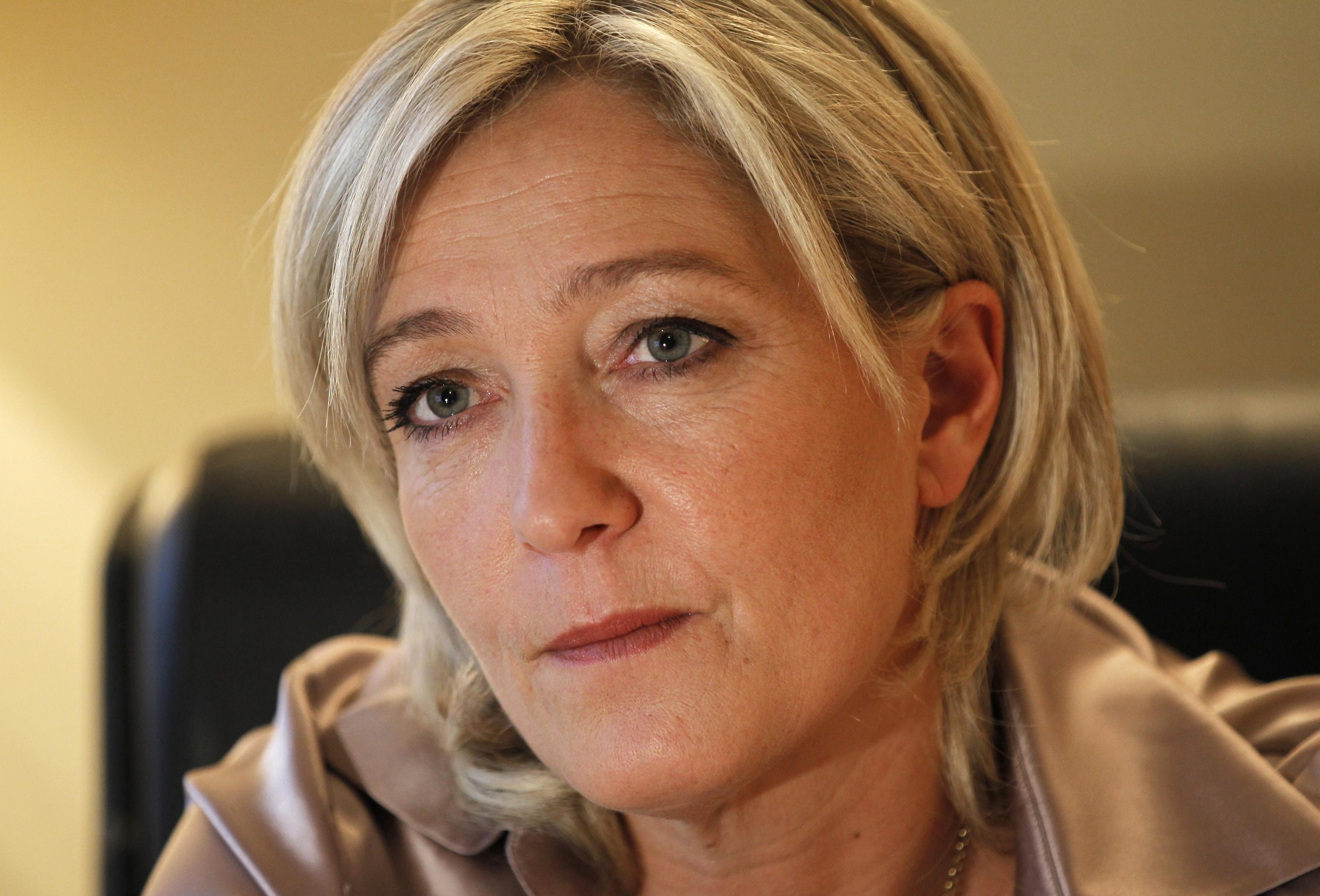 Ле Пен обещает референдум о выходе Франции из ЕС