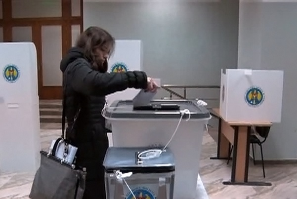 В Молдавии сломалась электронная система подсчета голосов