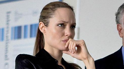 Анжелина Джоли уходит в политику
