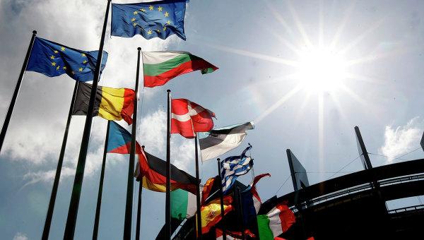 Еврокомиссия прогнозирует отмену санкций в 2015 году