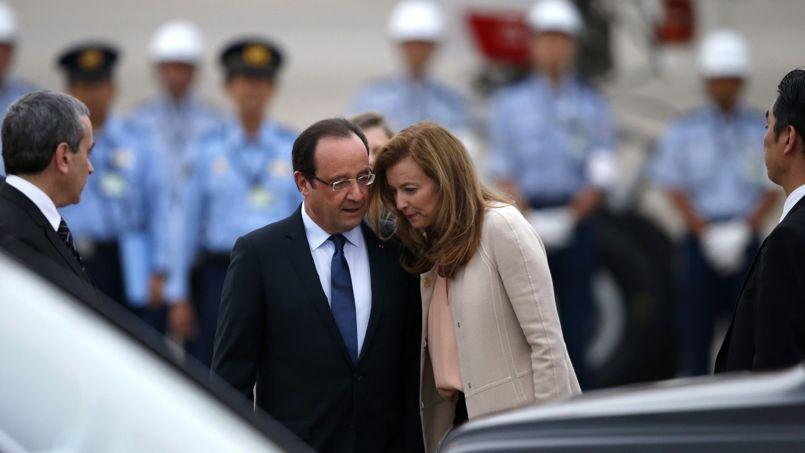 Олланд уволил 5 человек после скандальных фотоснимков