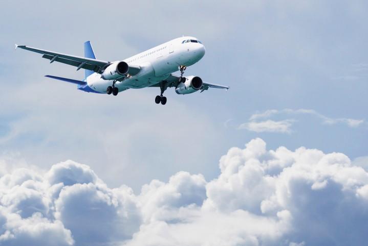 И снова Игарка: самолет пришлось посадить из-за открытой двери