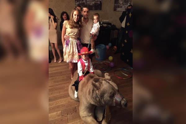 Зоозащитники осудили футболиста Комбарова