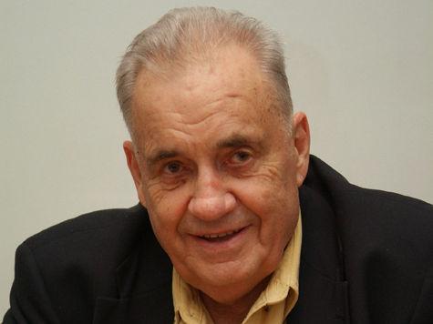 Эльдар Рязанов проходит профилактическое обследование