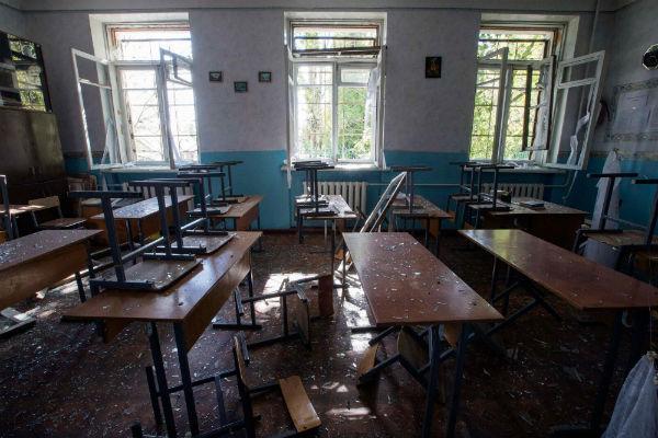 Возбуждено уголовное дело по факту обстрела школы в Донецке