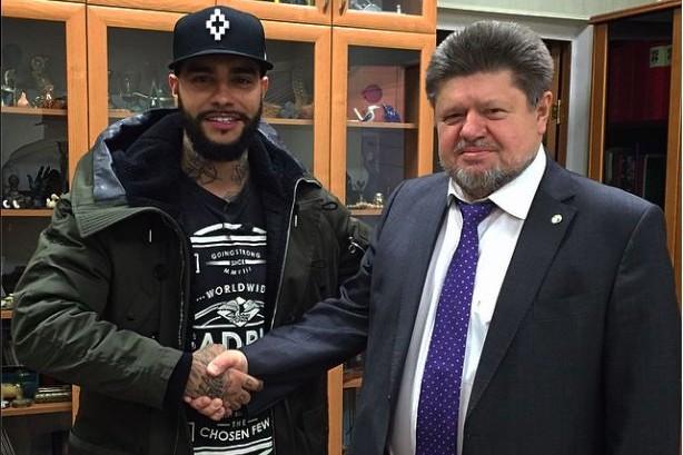 Тимати встретился с главным наркологом России и сдал кровь