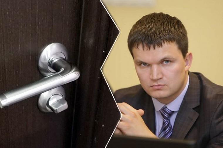 Вице-губернатор Вологодской области застрял в туалете и спасся с помощью Instagram