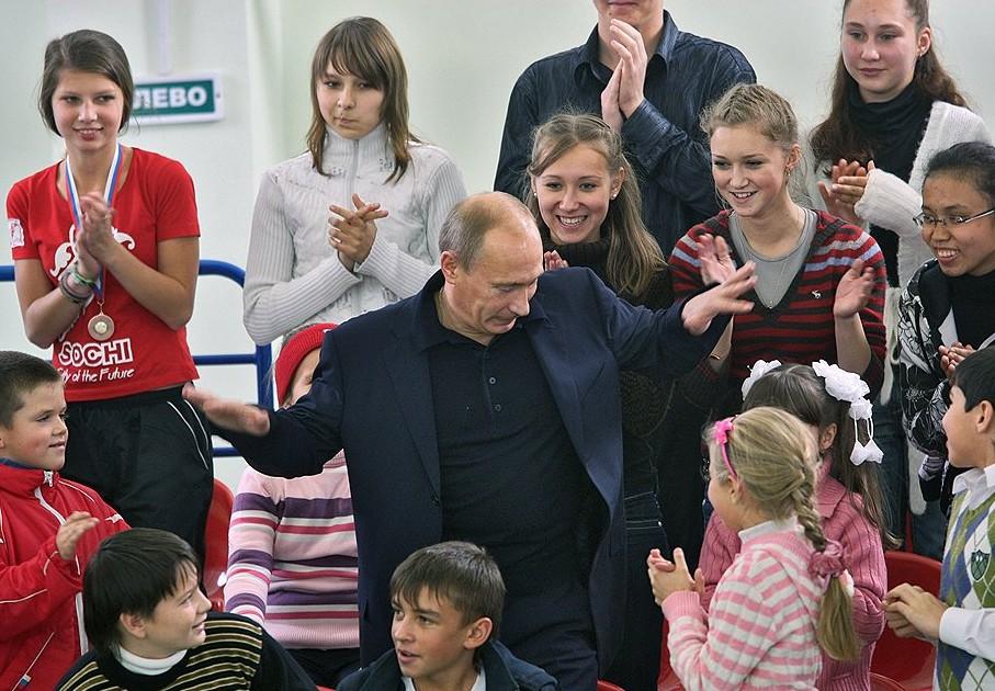 Путин решил усложнить поступление в вузы