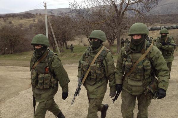 Вооруженные «зеленые человечки» заняли круговую оборону между Днепропетровском и Харьковом