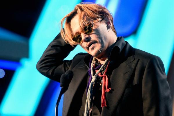 Джонни Депп пришел пьяным на церемонию награждения Hollywood Film Awards