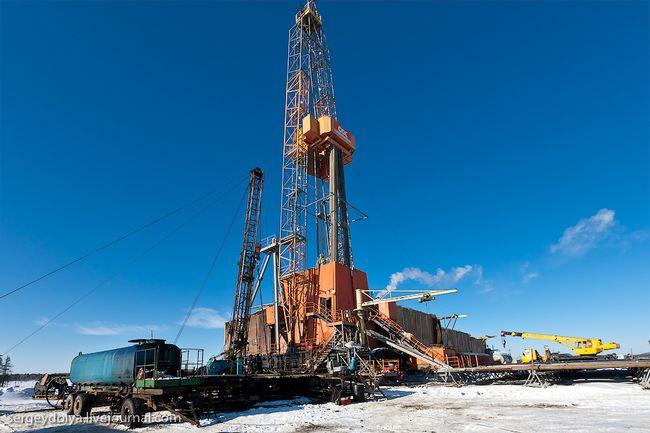 Нефтянику оторвало голову во время ремонтных работ