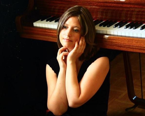 Русская пианистка умерла в Китае, не дождавшись спецборта МЧС