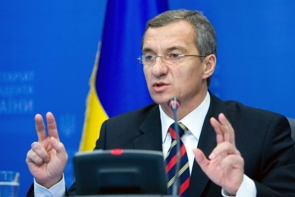 Минфин Украины обвинил правительство в обвале гривны