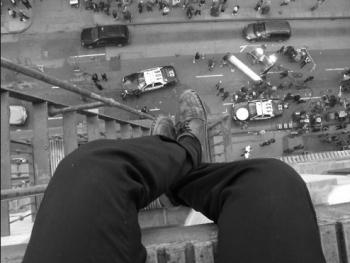 В Казани школьник выпрыгнул с 9 этажа из-за полученной двойки