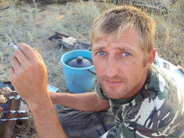Бывший военный бросил в пасынка боевые гранаты