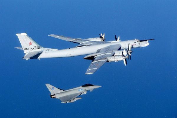 Британские истребители вылетели на перехват российского бомбардировщика
