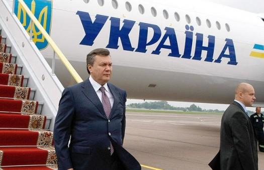 Самолет Януковича демонстративно провезут по улицам Киева