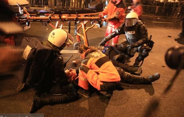51 полицейский пострадал в ходе беспорядков в Варшаве