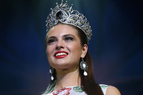 Россиянка стала «Мисс Огонь» на конкурсе «Мисс Земля-2014»