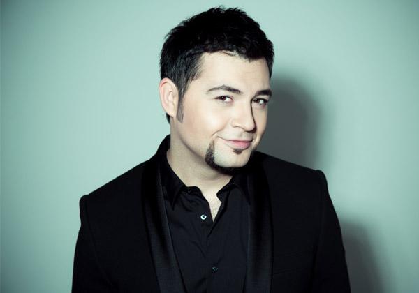 Певец Алексей Чумаков выпустил первую книгу
