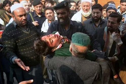 84 ребенка погибло во время захвата талибами колледжа в Пакистане