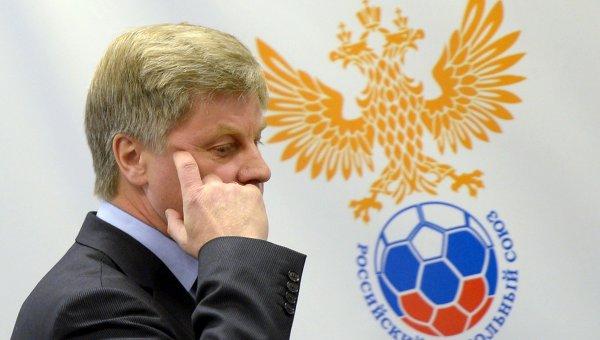 Глава РФС оштрафован за задержку зарплаты Капелло
