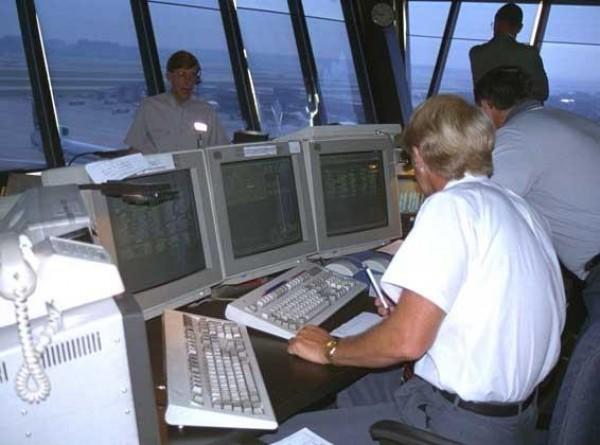 Работа на износ авиадиспетчеров может привести к очередной трагедии
