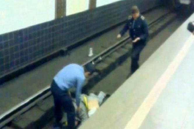 Больная раком москвичка бросилась под поезд на станции «Тургеневская»