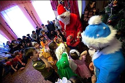 Грабители вернули украденные подарки детдомовцам во Владивостоке
