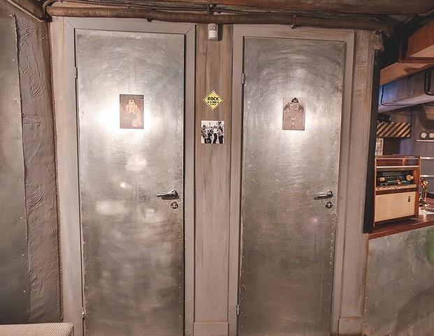 Мужчина застрелился в туалете пермского паба