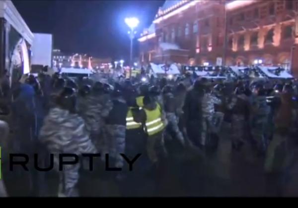 Полиция расчистила Манежную площадь