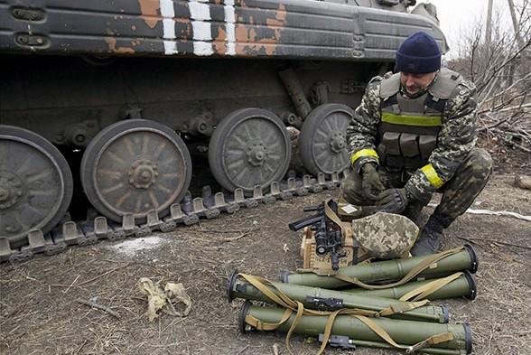 ОБСЕ обнаружила колонну неопознанной военной техники под Донецком