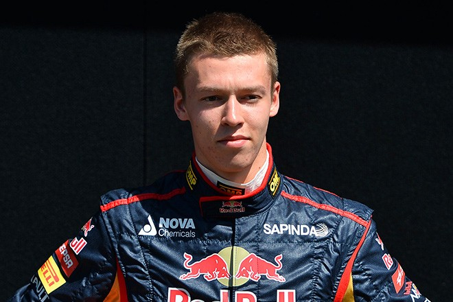 Россиянин Даниил Квят вошел в десятку лучших гонщиков