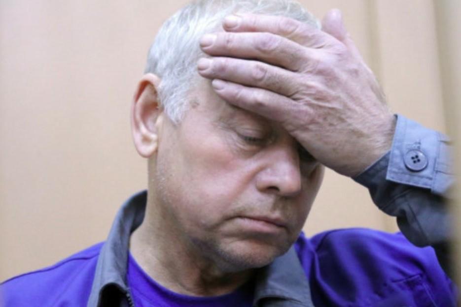 Снегоуборщик, обвиняемый в аварии во Внуково, находится в тяжелом состоянии