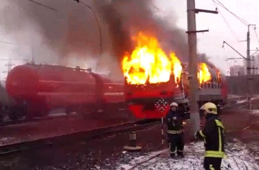 В Москве в час пик загорелась электричка с пассажирами