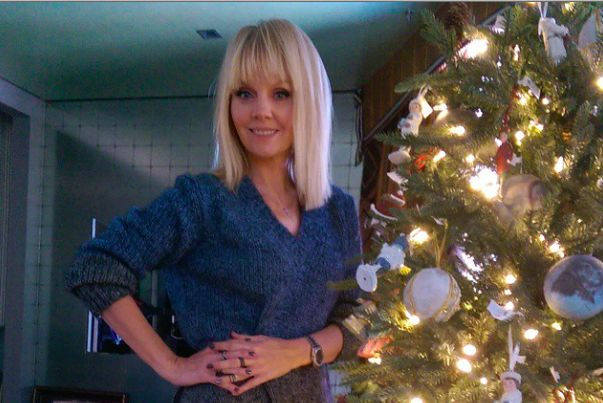 Российские звезды нарядили елки к Новому году