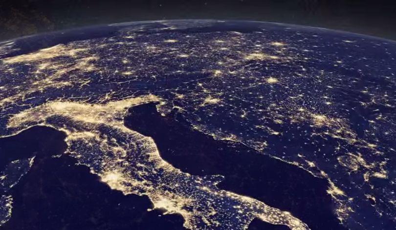 NASA зафикисировало из космоса новогодние огни на Земле