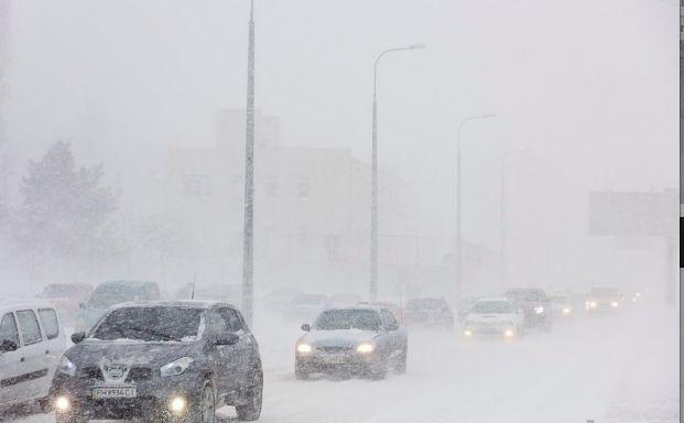 Непогода оставила без электричества 500 населенных пунктов Украины