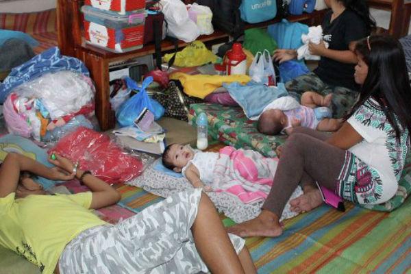 На Филиппинах из-за тайфуна эвакуировали более 500 тысяч человек
