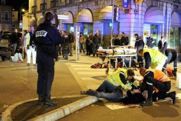 Во Франции террорист на автомобиле сбил 11 пешеходов