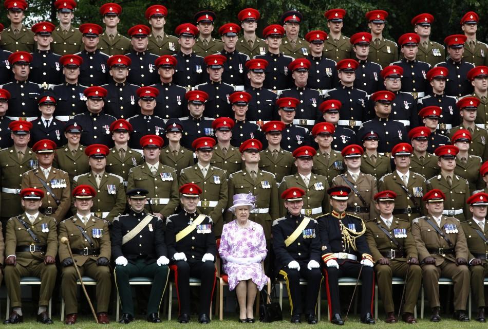 Британки смогут служить в пехоте с 2016 года