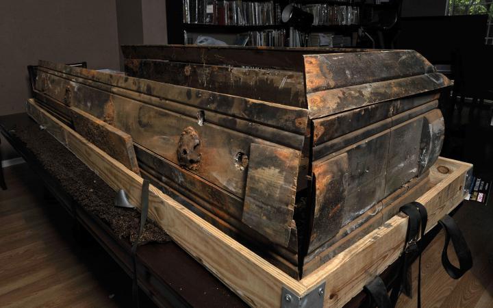 Гроб убийцы Кеннеди продали за 87 тысяч долларов