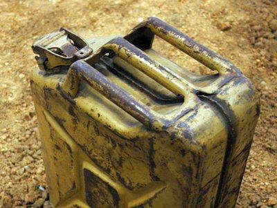 В Иркутской области хозяин дома облил гостя бензином и поджег