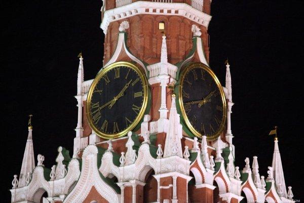 В новогоднюю ночь россияне останутся без курантов