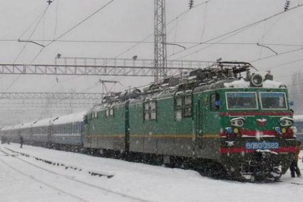 Юноша и девушка погибли под колесами поезда в Приморье
