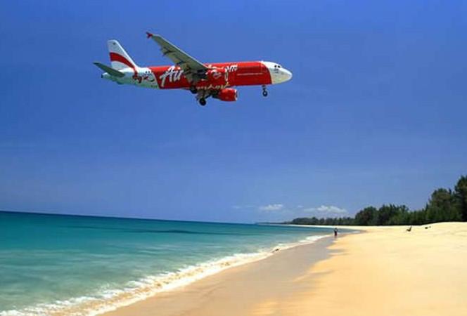 В районе поисков пропавшего малайзийского самолета обнаружены топливные пятна