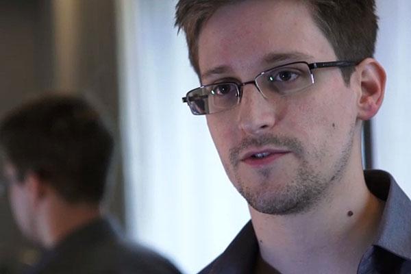 Эвард Сноуден встретит Новый год в Москве