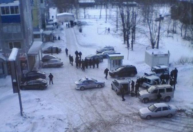 В Междуреченске мужчина расстрелял шахтера и трех полицейских