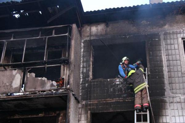 В омской девятиэтажке взорвался бытовой газ, есть пострадавший